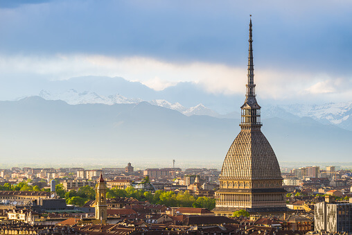 Piemonte zona rossa: lo scenario 4 riporta la regione in lockdown